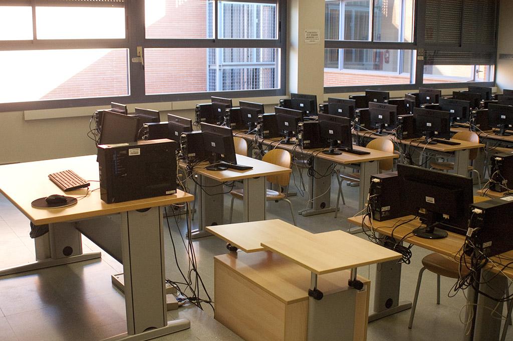 Galería de imágenes del edificio aulario