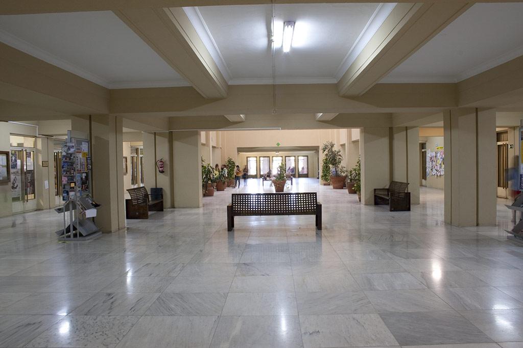 Facultad de Medicina - Vestíbulo principal