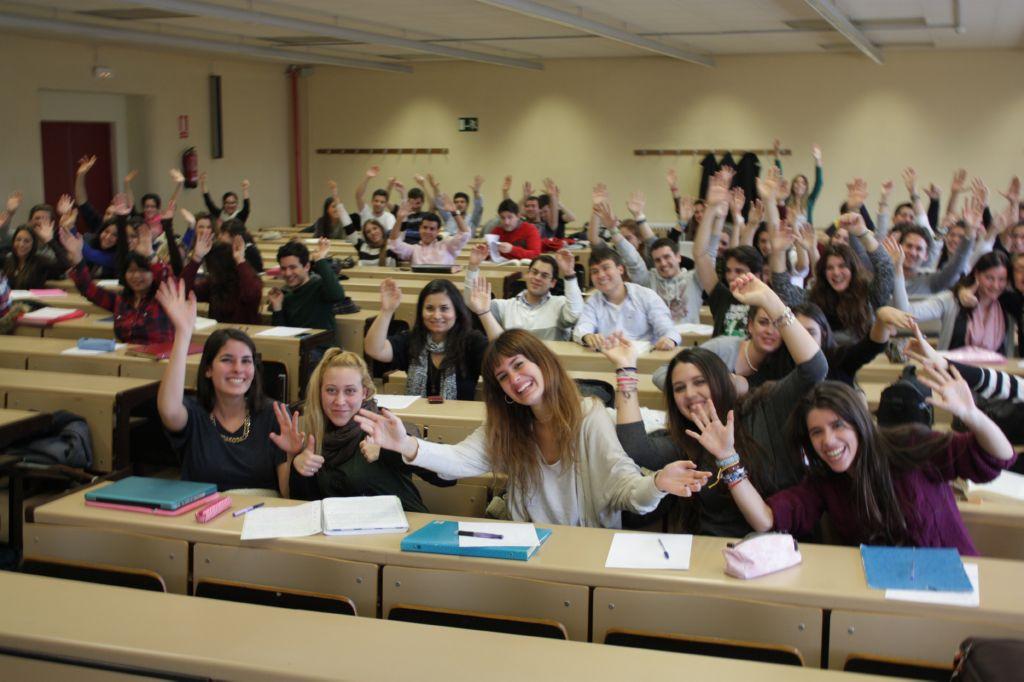 Foto de estudiantes en clase