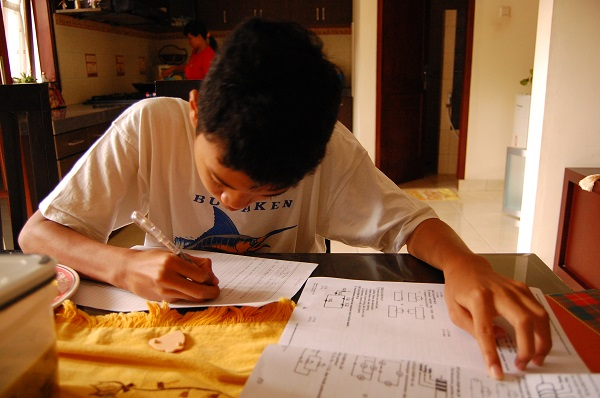 El programa de intervención también puede aplicarse en casa. / Ikhlasul Amal.