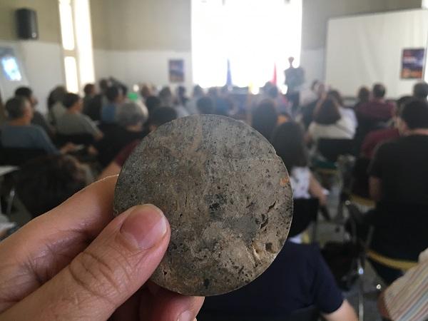 Una muestra de la piedra caliza del Hospital de Jornaleros de Maudes. / UCM.