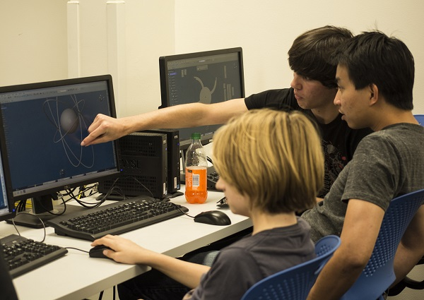El 66,5% de los estudiantes buscan información científica en Google. / Srujal.