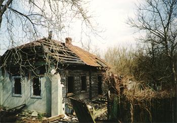 Casa abandonada en los alrededores de la central de Chernóbil. / Slawojar.