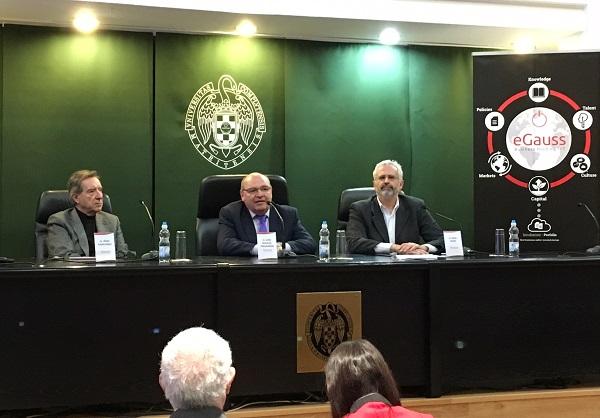 De izq. a dcha. Iñaqui Gabilondo, José Manuel Pingarrón y Raúl Mata en la inauguración. / UCM