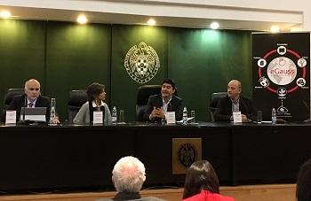 De izq. a dcha. Josep M. Pique, Marta Villanueva, Javier Martínez y Alejandro Vega. / UCM