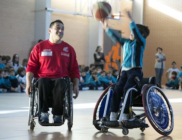 Investigadores de la UCM trabajan para mejorar la calidad de vida de las personas con discapacidad, física o mental. / Iglesia en Valladolid.
