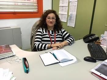 Almudena Cortés, en su despacho. / UCM.