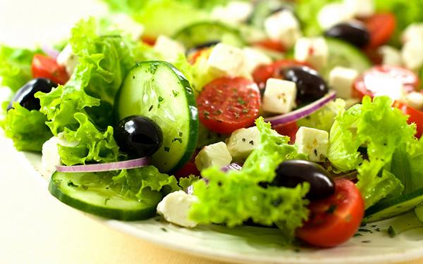 El tipo de dieta influye en la huella hídrica, que mejora al disminuir el consumo de carne, según el estudio. / Michael Stern.