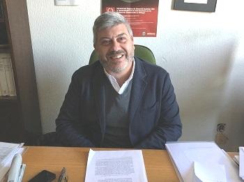 Ángel Morillo, en su despacho. / UCM.