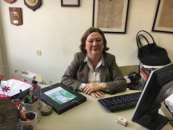 Pilar Sánchez López, en su despacho en la facultad. / UCM.