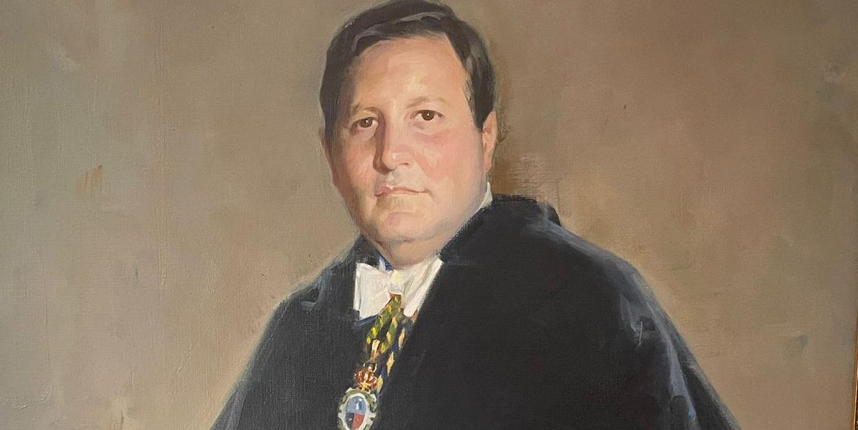 Dedicado 'in memoriam' a Gustavo Villapalos, rector de la Universidad Complutense de Madrid entre 1987 y 1995  - 1