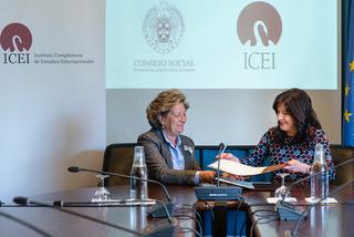 Pilar González de Frutos (Presidenta del Consejo Social) e Isabel Álvarez (Directora del ICEI)