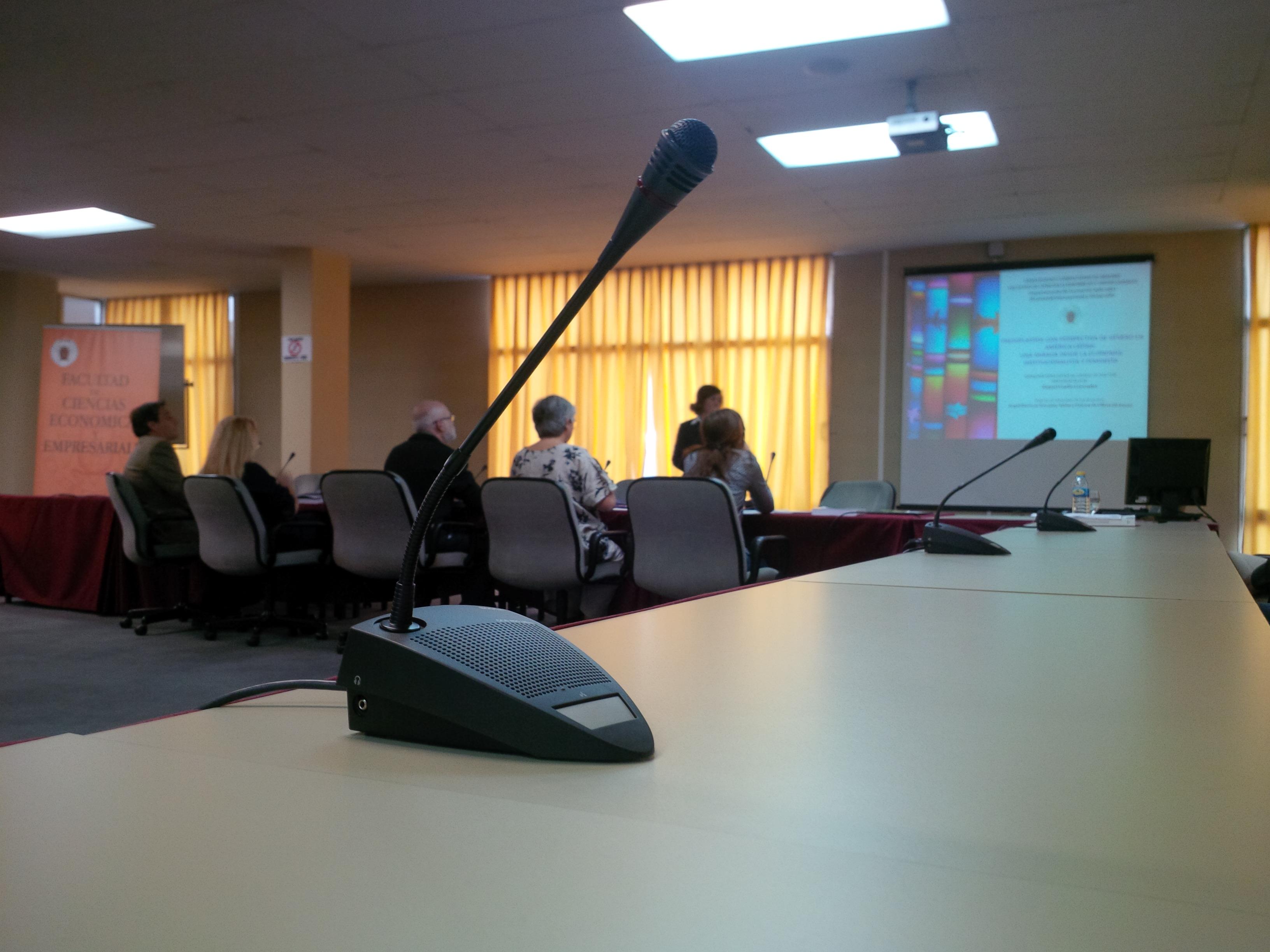 Sala de juntas evento lectura de tesis Raquel Coello