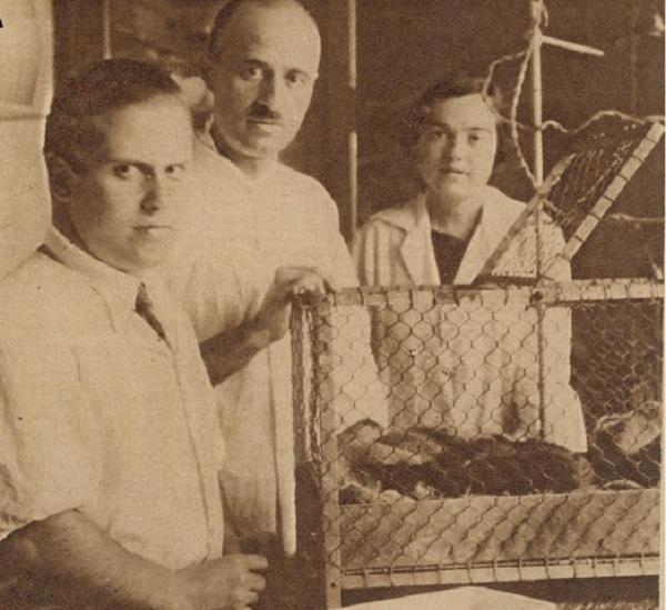 De izquierda a derecha: Dr. Julián Sanz-Ibáñez, Dr- Gonzalo Rodríguez Lafora y Dra. Soledad Ruiz-Capillas (publicada originalmente en Pérez (1929). / Dr. Fernán Pérez.