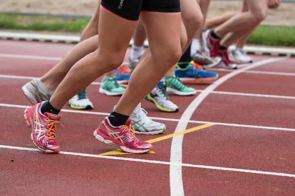 Si los deportistas vuelven a una intensa actividad se pueden producir importantes lesiones. / Snapwire.