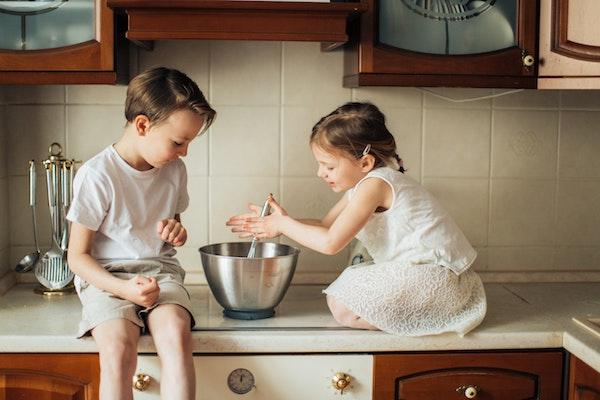 En el estudio los niños asociaron profesiones a los géneros. / Elly Fairytale.