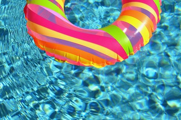 El informe determina una baja probabilidad de contagio por agua. / Public Domain Pictures.