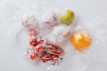 Los supermercados vuelven al envase individual. / Karolina Grabowska