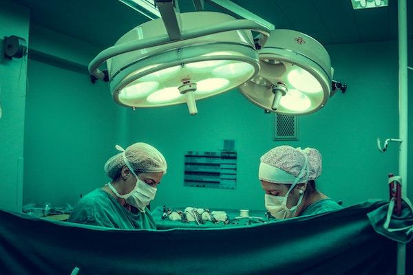 Julio Mayol establece tres elementos que deben guiar la actividad quirúrgica. / Vidal Balielo.
