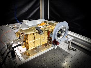 Instrumento SuperCam en el que participa el IGEO (UCM-CSIC). / CNES.
