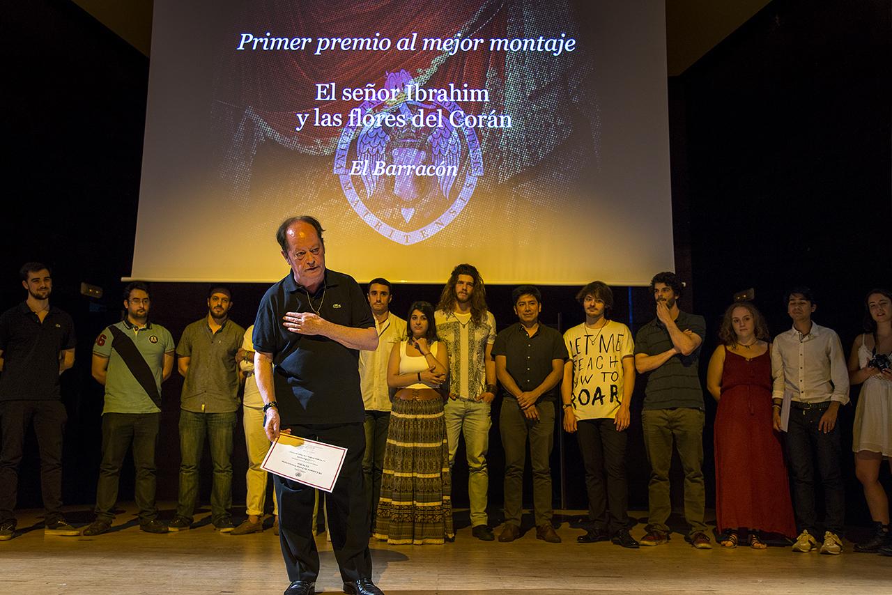 César Gil, director de El Barracón, se mostró encantado de sentirse querido 51 años después de empezar en el teatro universitario
